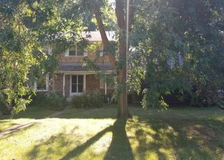 Pre Foreclosure in Michigan City 46360 LADY LN - Property ID: 1395349400
