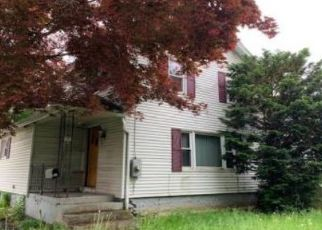 Pre Foreclosure in New Britain 06053 CLINTON ST - Property ID: 1395524140