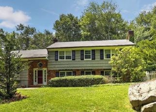Pre Foreclosure in New Canaan 06840 THAYER POND RD - Property ID: 1395801386