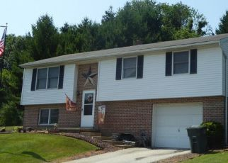Pre Foreclosure in Dallastown 17313 TROY RD - Property ID: 1396314697