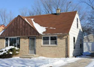 Pre Foreclosure in Milwaukee 53218 N 73RD ST - Property ID: 1396330913