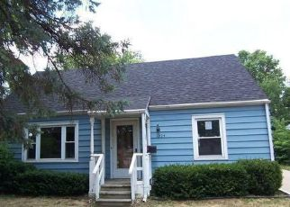 Pre Foreclosure in Waukesha 53188 SUMMIT AVE - Property ID: 1396532815