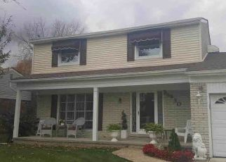 Pre Foreclosure in Trenton 48183 HERITAGE DR - Property ID: 1396673394