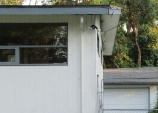 Pre Foreclosure in Seattle 98188 S 166TH ST - Property ID: 1396785969