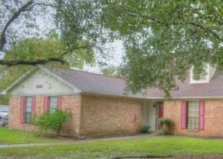 Pre Foreclosure in Beaumont 77707 WILLOW PL - Property ID: 1397355762