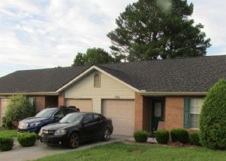 Pre Foreclosure in Powell 37849 LYNGATE BLVD - Property ID: 1397419257