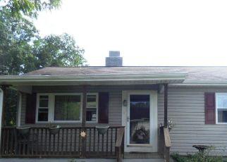 Pre Foreclosure in Oak Ridge 37830 TYSON RD - Property ID: 1397567296