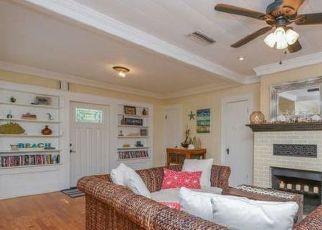 Pre Foreclosure in Sarasota 34242 SIESTA DR - Property ID: 1398057390