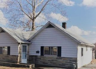 Pre Foreclosure in East Saint Louis 62206 MAIN ST - Property ID: 1398140610