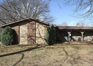 Pre Foreclosure in Caseyville 62232 BARCLAY LN - Property ID: 1398158118
