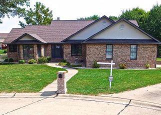 Pre Foreclosure in Belleville 62221 RHETTS LNDG - Property ID: 1398283386