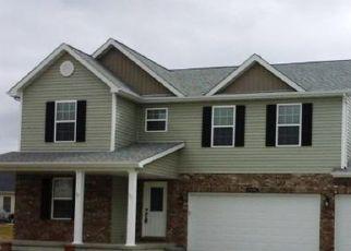 Pre Foreclosure in Mascoutah 62258 CESSNA CT - Property ID: 1398314484