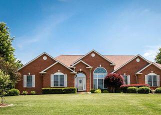 Pre Foreclosure in Smithton 62285 WILD OAK LN - Property ID: 1398325882