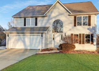 Pre Foreclosure in Naperville 60564 MIDLAND DR - Property ID: 1398384561