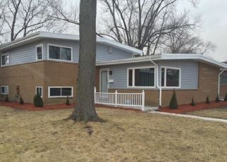 Pre Foreclosure in Chicago Heights 60411 SANDRA LN - Property ID: 1398483544