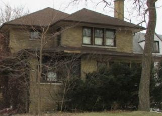 Pre Foreclosure in River Forest 60305 MONROE AVE - Property ID: 1398547484
