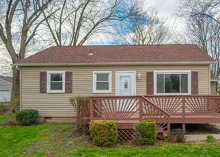 Pre Foreclosure in Crown Point 46307 CEDAR ST - Property ID: 1398665748