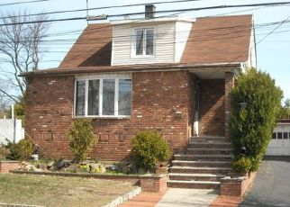 Pre Foreclosure in Staten Island 10307 YETMAN AVE - Property ID: 1398682383