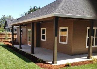 Pre Foreclosure in Medford 97501 DARLENE DR - Property ID: 1399492188