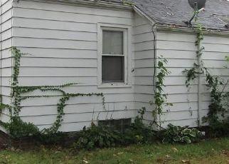 Pre Foreclosure in Toledo 43606 DOUGLAS RD - Property ID: 1399566205