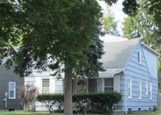 Pre Foreclosure in Toledo 43612 CRESTWOOD RD - Property ID: 1399682722