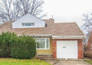 Pre Foreclosure in Cleveland 44121 S GREEN RD - Property ID: 1399782575