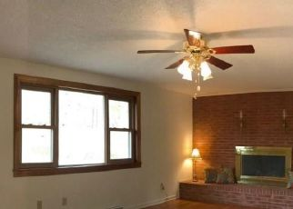 Pre Foreclosure in Mocksville 27028 PARK AVE - Property ID: 1399848711
