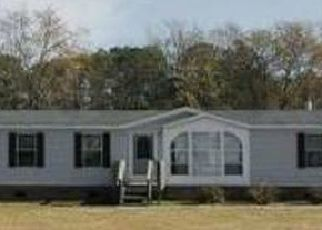 Pre Foreclosure in Hope Mills 28348 FEATURE CT - Property ID: 1399851779