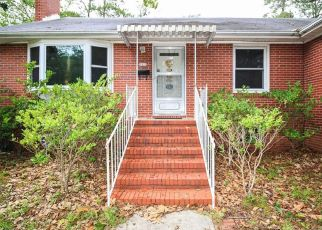 Pre Foreclosure in Fayetteville 28303 LYON RD - Property ID: 1399908713