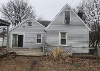 Pre Foreclosure in East Haven 06512 MAPLE ST - Property ID: 1400331348