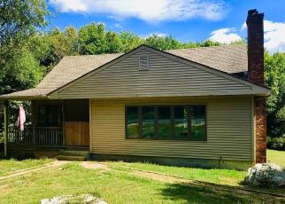 Pre Foreclosure in Swansea 02777 SHARPS LOT RD - Property ID: 1401065397