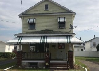 Pre Foreclosure in Wilkes Barre 18706 SCUREMAN ST - Property ID: 1401156495