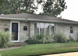 Pre Foreclosure in Metropolis 62960 E 6TH ST - Property ID: 1401688189