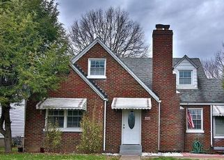 Pre Foreclosure in New Albany 47150 CHARLESTOWN RD - Property ID: 1401699588