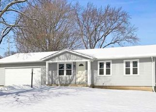 Pre Foreclosure in Oswego 60543 SHELL CT - Property ID: 1401795949