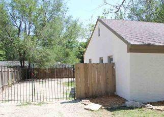 Pre Foreclosure in Mulvane 67110 E MULVANE ST - Property ID: 1401819592