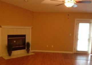 Pre Foreclosure in Jacksonville 32218 CHERRY BARK DR E - Property ID: 1401953616