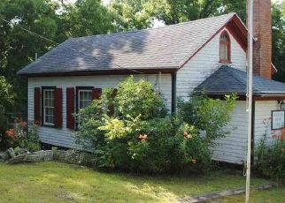 Pre Foreclosure in Scales Mound 61075 N HILL RD - Property ID: 1402048204