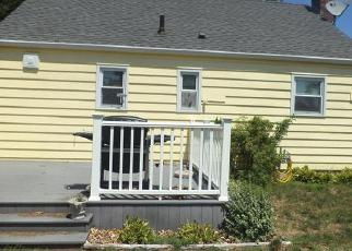Pre Foreclosure in Manchester 06040 CENTER ST - Property ID: 1402235223