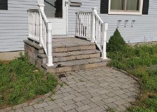 Pre Foreclosure in East Hartford 06118 FERNCREST DR - Property ID: 1402243550