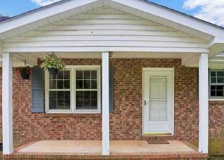 Pre Foreclosure in Greer 29651 TIMBERLANE RD - Property ID: 1402345601
