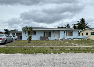Pre Foreclosure in Lake Worth 33461 CREST DR - Property ID: 1402451587