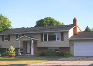 Pre Foreclosure in Green Bay 54313 COMMANCHE AVE - Property ID: 1403826388