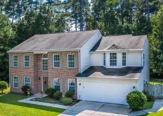 Pre Foreclosure in Yorktown 23693 TALLYHO DR - Property ID: 1404179394