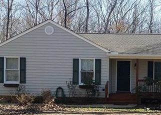 Pre Foreclosure in Columbia 23038 RAVENWOOD RD - Property ID: 1404186401