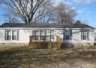 Pre Foreclosure in Evansville 47714 FRISSE AVE - Property ID: 1404343184
