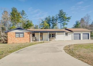 Pre Foreclosure in Hendersonville 28739 N PINECREST LN - Property ID: 1404848622