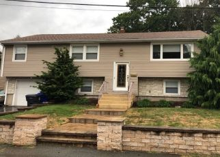 Pre Foreclosure in North Providence 02911 VINELAND AVE - Property ID: 1405031697