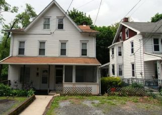 Pre Foreclosure in Reading 19606 N BINGAMAN ST - Property ID: 1405323376