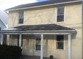 Pre Foreclosure in Quakertown 18951 SPINNERSTOWN RD - Property ID: 1405398724
